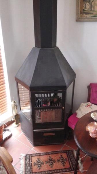 Fireplace extra large Jetmaster wood and coal burning