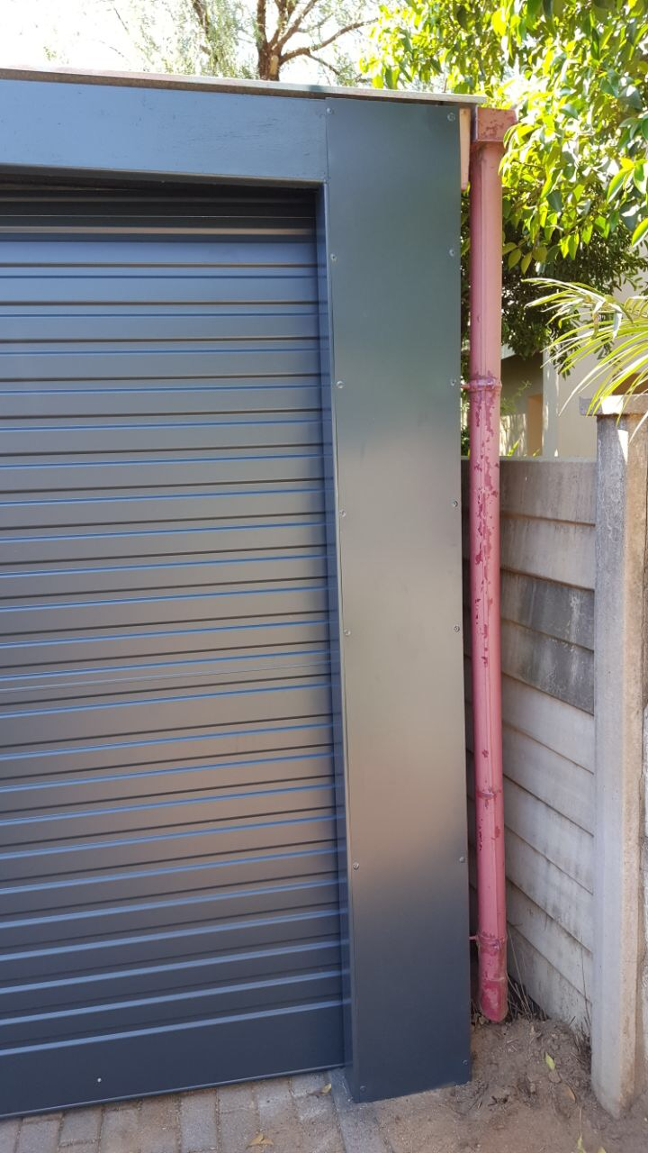 Carport fronts in Melville