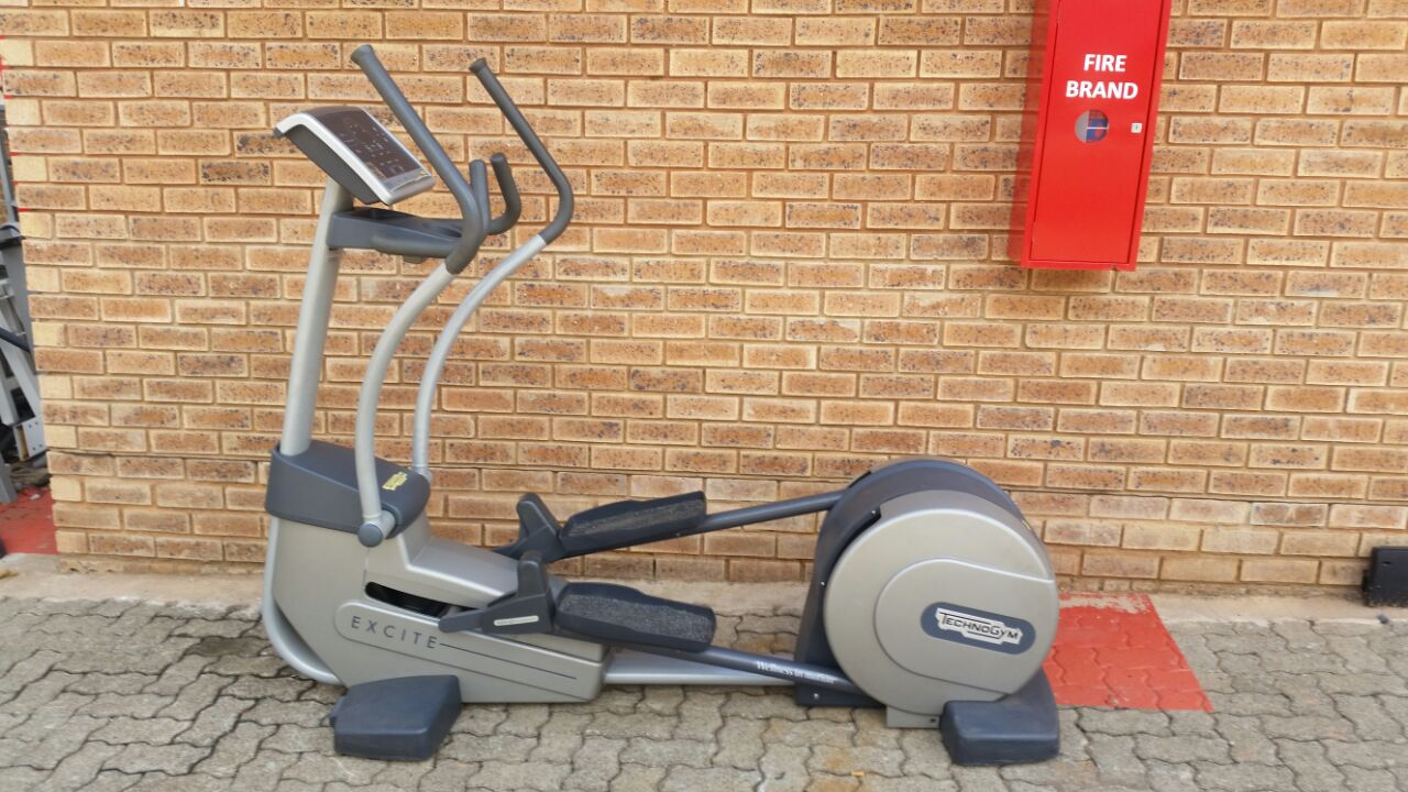 GYM/FITNESS EQUIPMENT