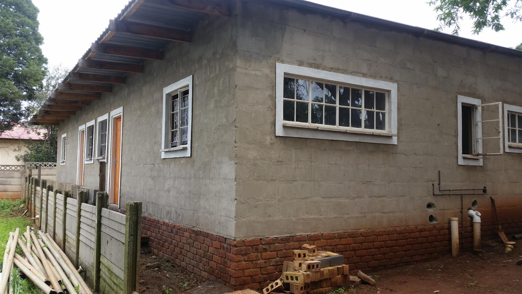 2x flat with 3 garage for sale