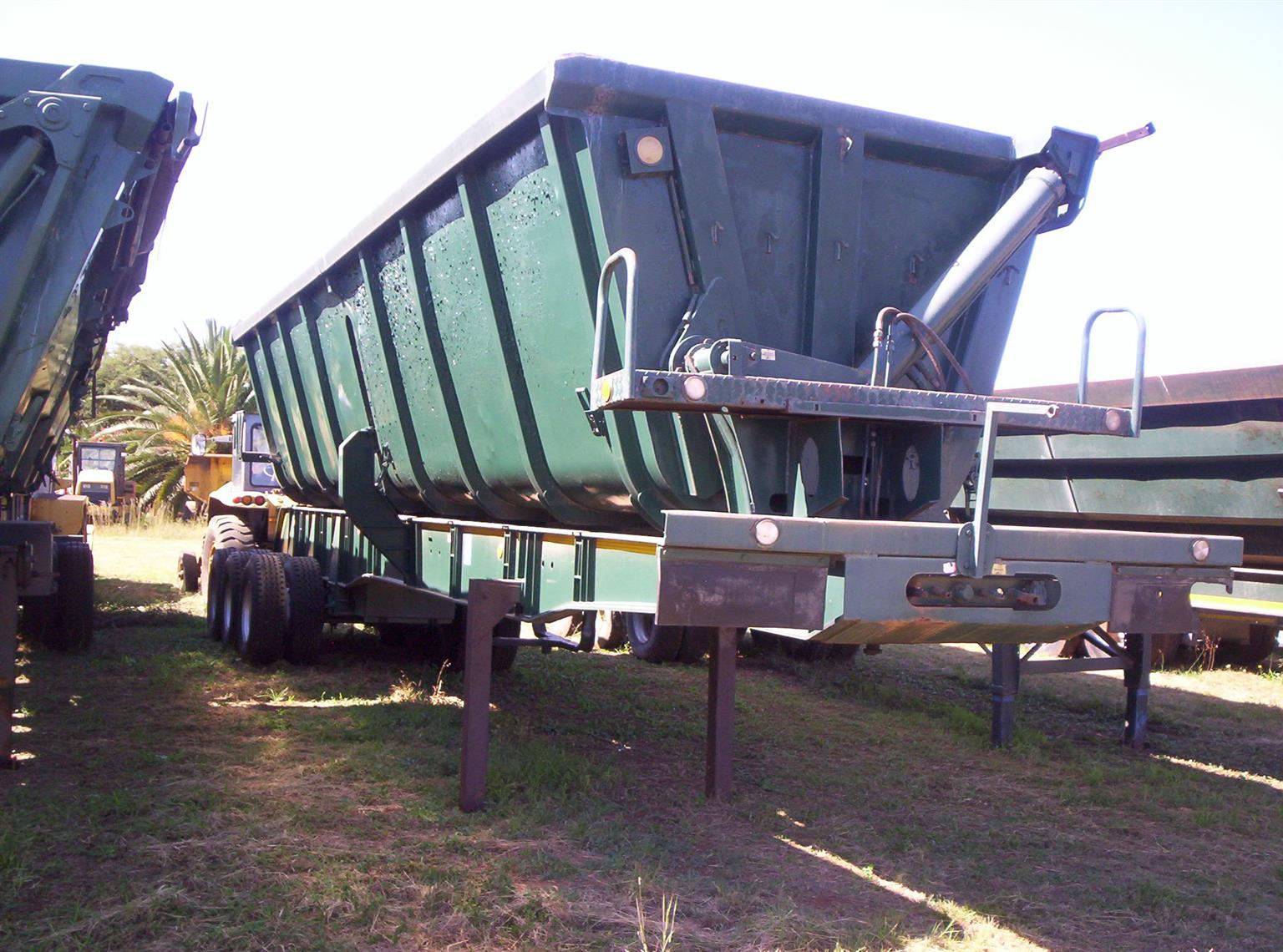 2005 AND 2008 SIDE TIPPER TRI-AXLE TRAILERS.