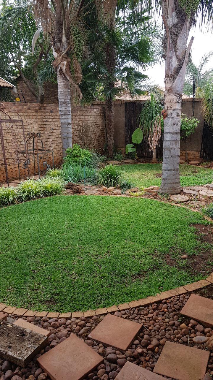 3 bedroom Townhouse to rent in Montana Pretoria
