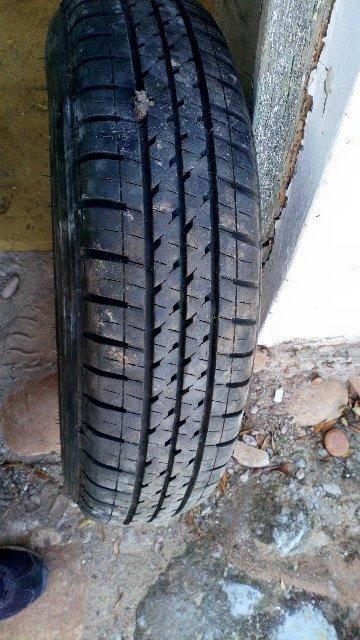 """13"""" tyre met rim op"""
