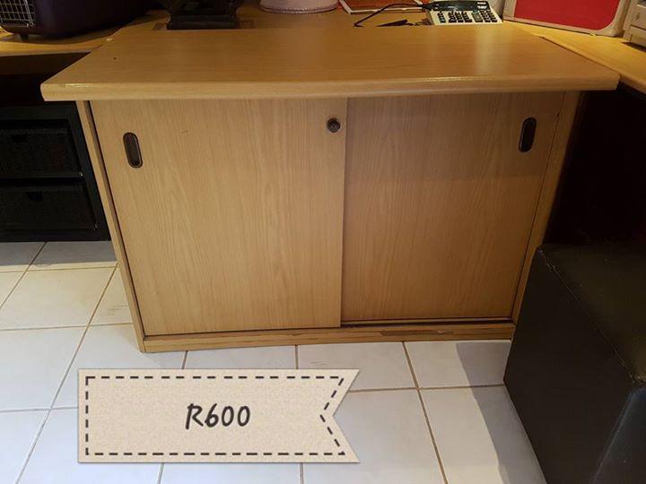 Wooden sliding door cabinet