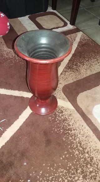 Red flower vase for sale