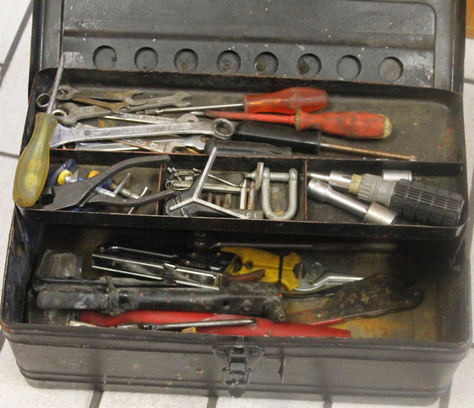 Loose tools in box S029207a #Rosettenvilepawnshop