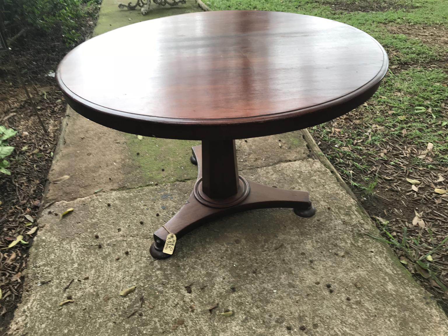 Antique LOO table a super table for entrance hall or breakfast nook antique