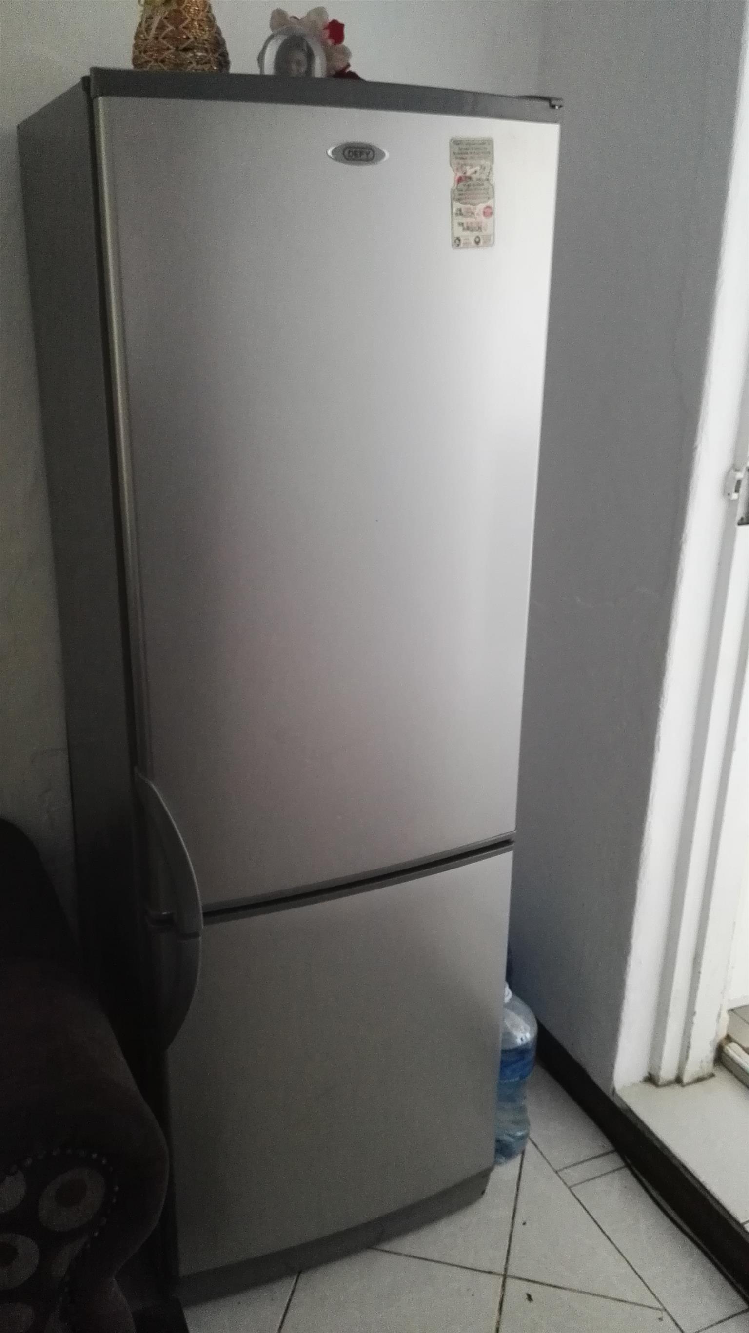 DEFY fridge and Freezer for sale