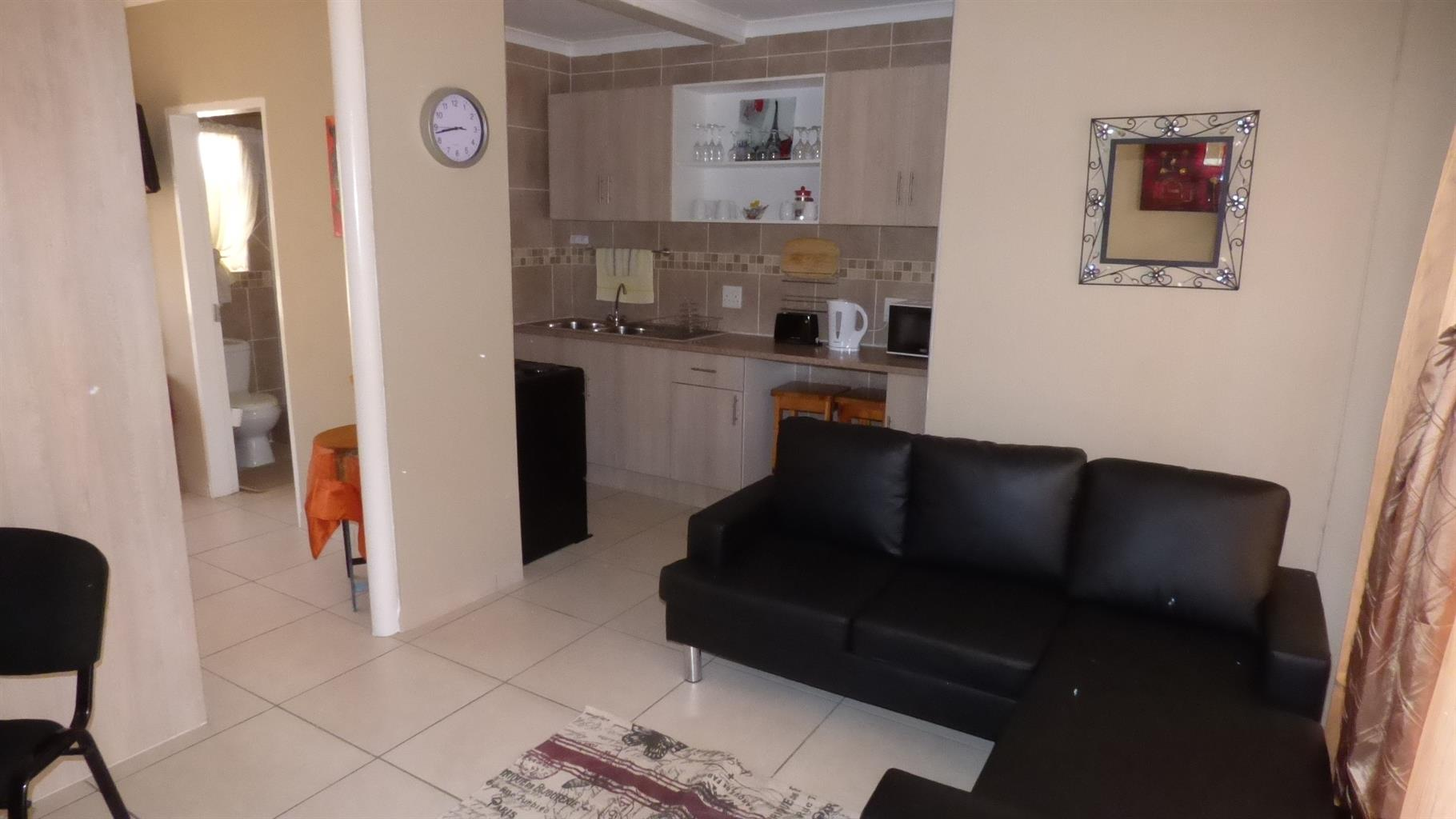 NORTHCLIFF; EXCECUTIVE ROOMS TO RENT. FULLY FURNISHED, SECURE AND SAFE