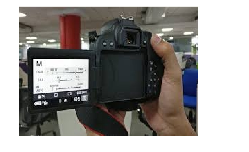 Canon 800D 24.2MP DSLR with 18-55mm Lens