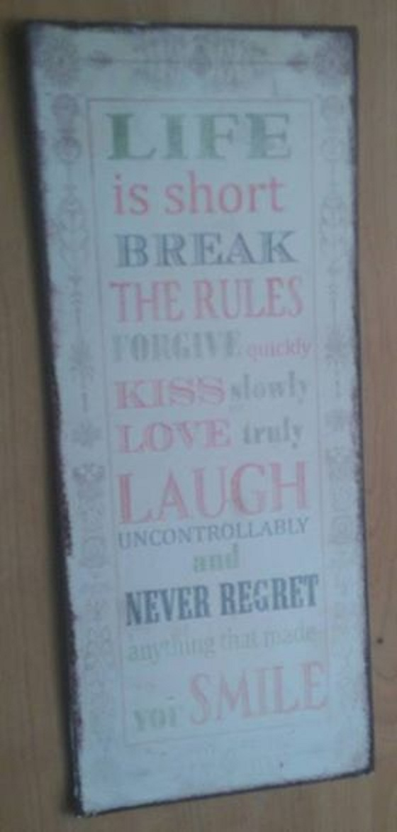 Message wall decor