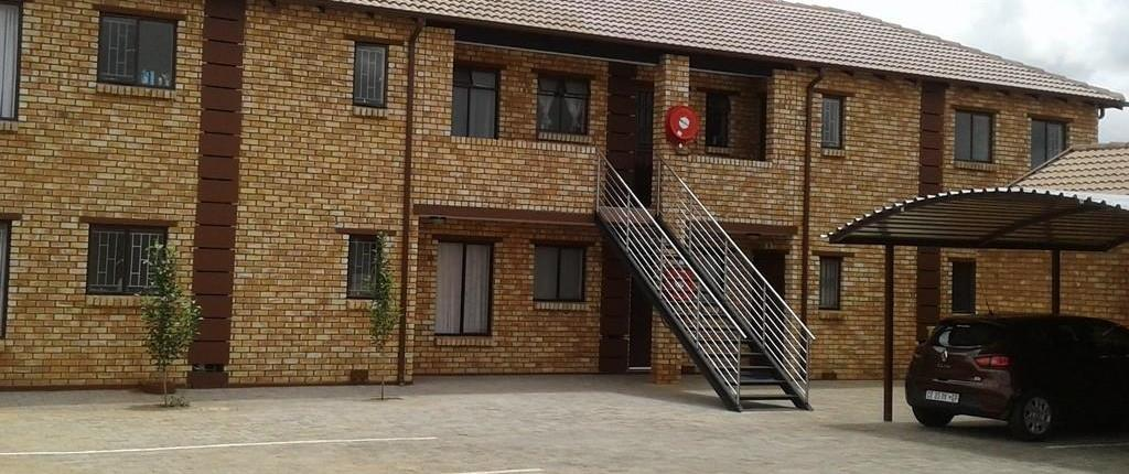 Two bedroomed townhouses for sale in Lotus Heights Pretoria West