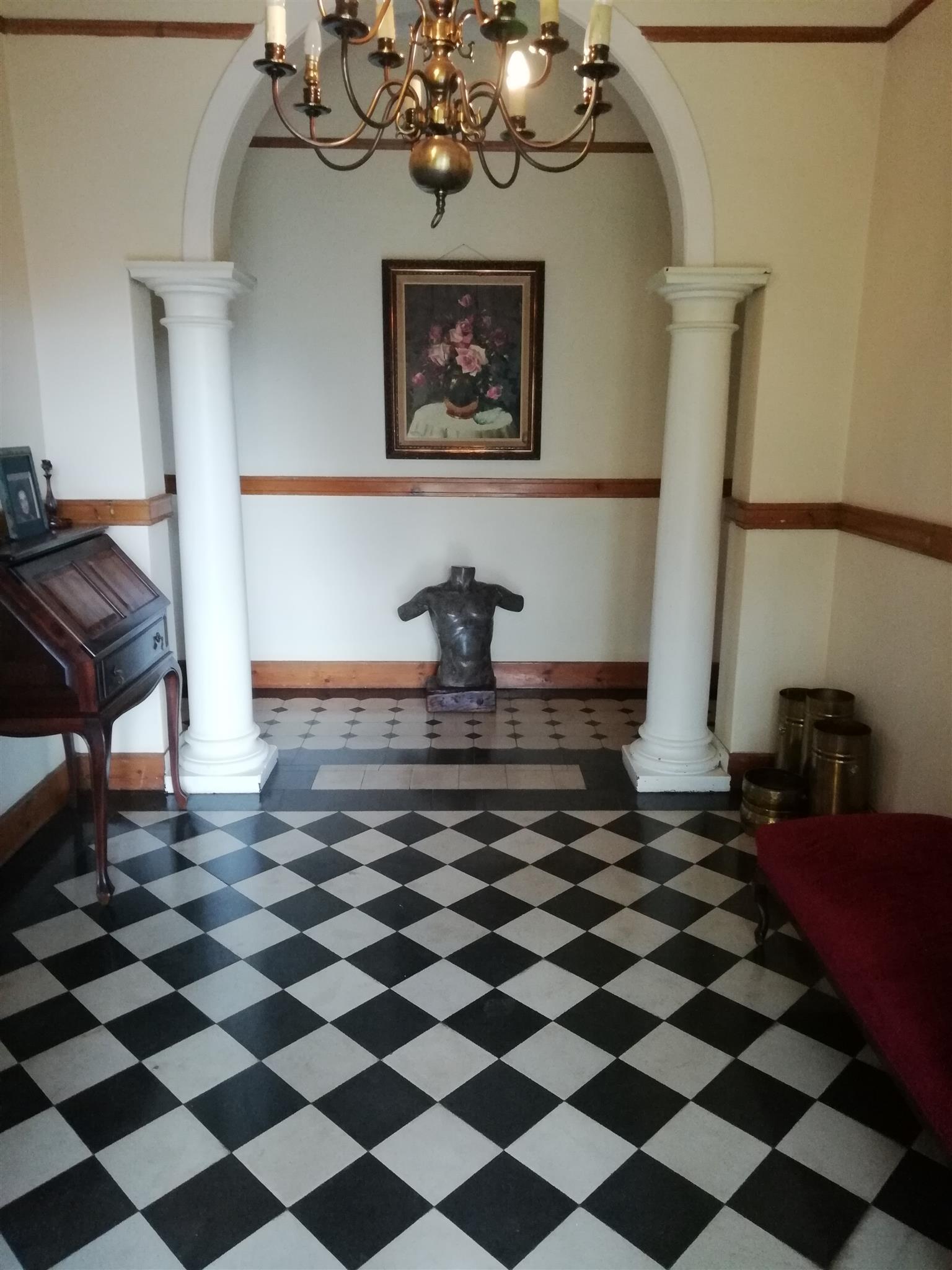 Golden oldie to rent in Lisdogan Park