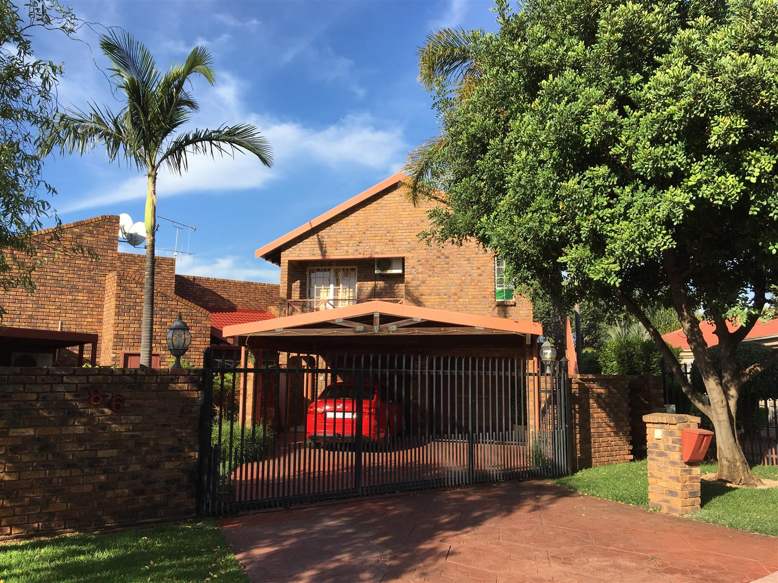 1 Bedroomed Flat in Montana Park - Water & Electricity and Full DSTV included - R5000.00 pm