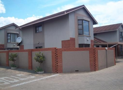 Two two bed two bath for rent in Universitas, Bloemfontein