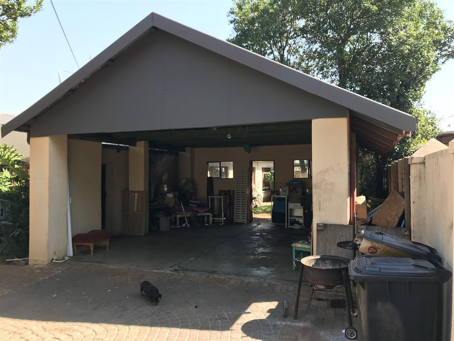 3 Bedroom House to rent in Queenswood