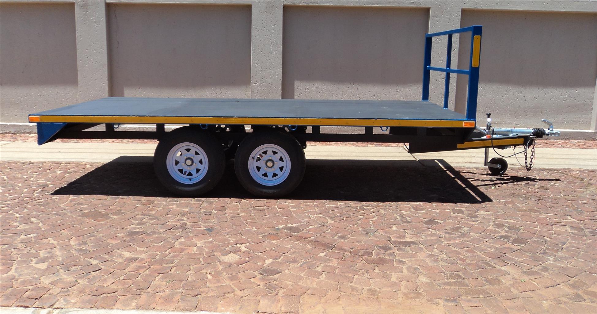 N. FLAT DECK TRAILER - 2700kg
