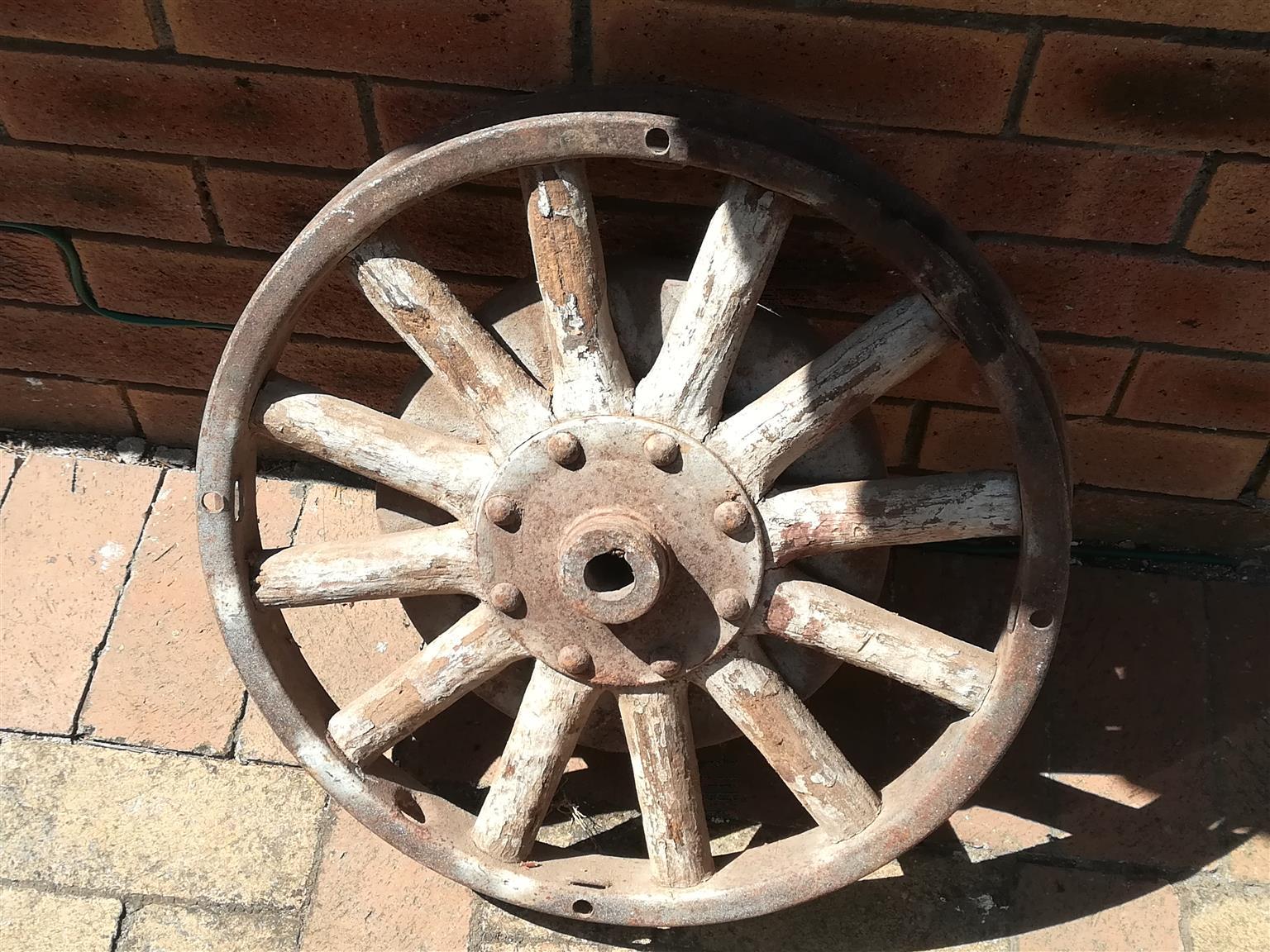"""Wheel steel rim wooden spokes 19"""" (483 mm)"""