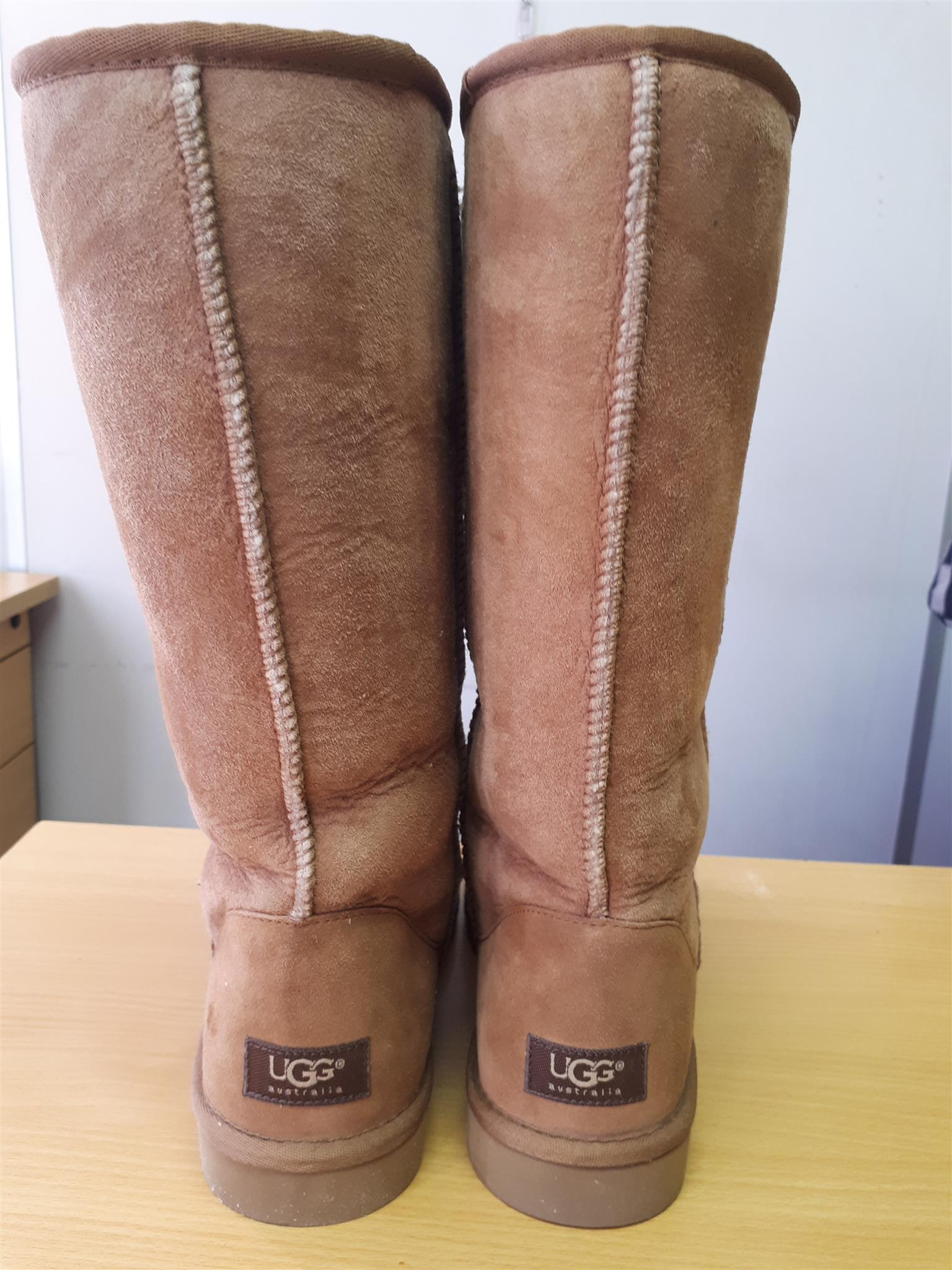 Genuine Australian UGG Boots - Chestnut