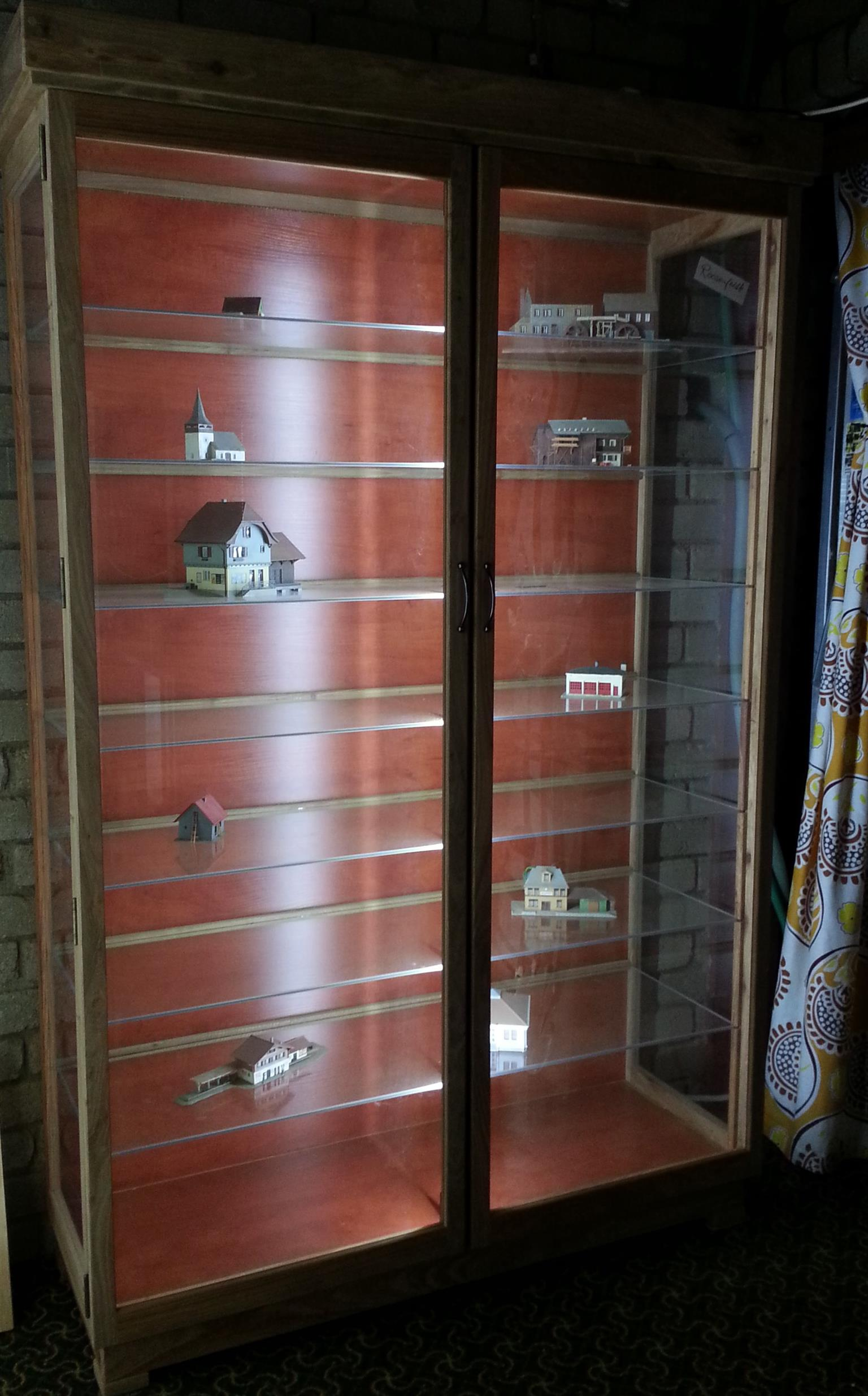 "CABINETS, Models, cars and trains ""Display /Show Cases ..."