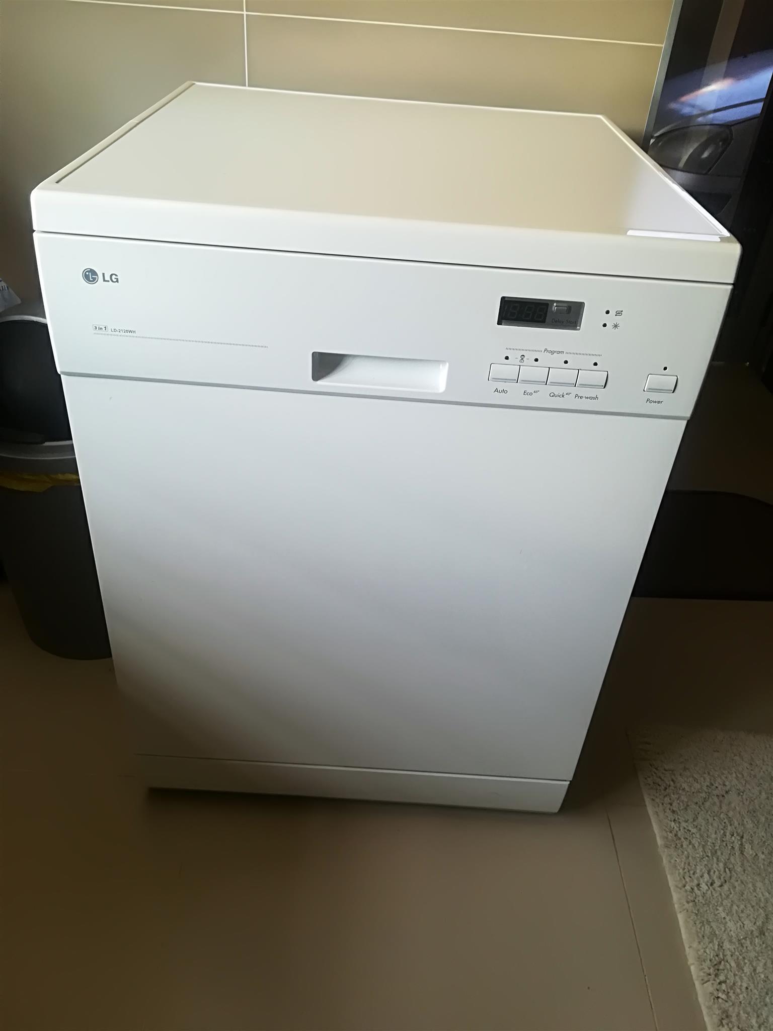 Brand new LG 3in1 Watersaver Dishwasher
