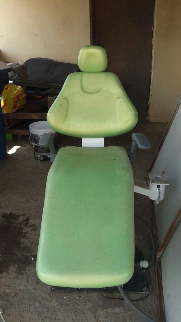 Dental chair /Suction unit / Compressor