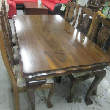 Antique Ball and Claw 6 seat dining room table & chairs