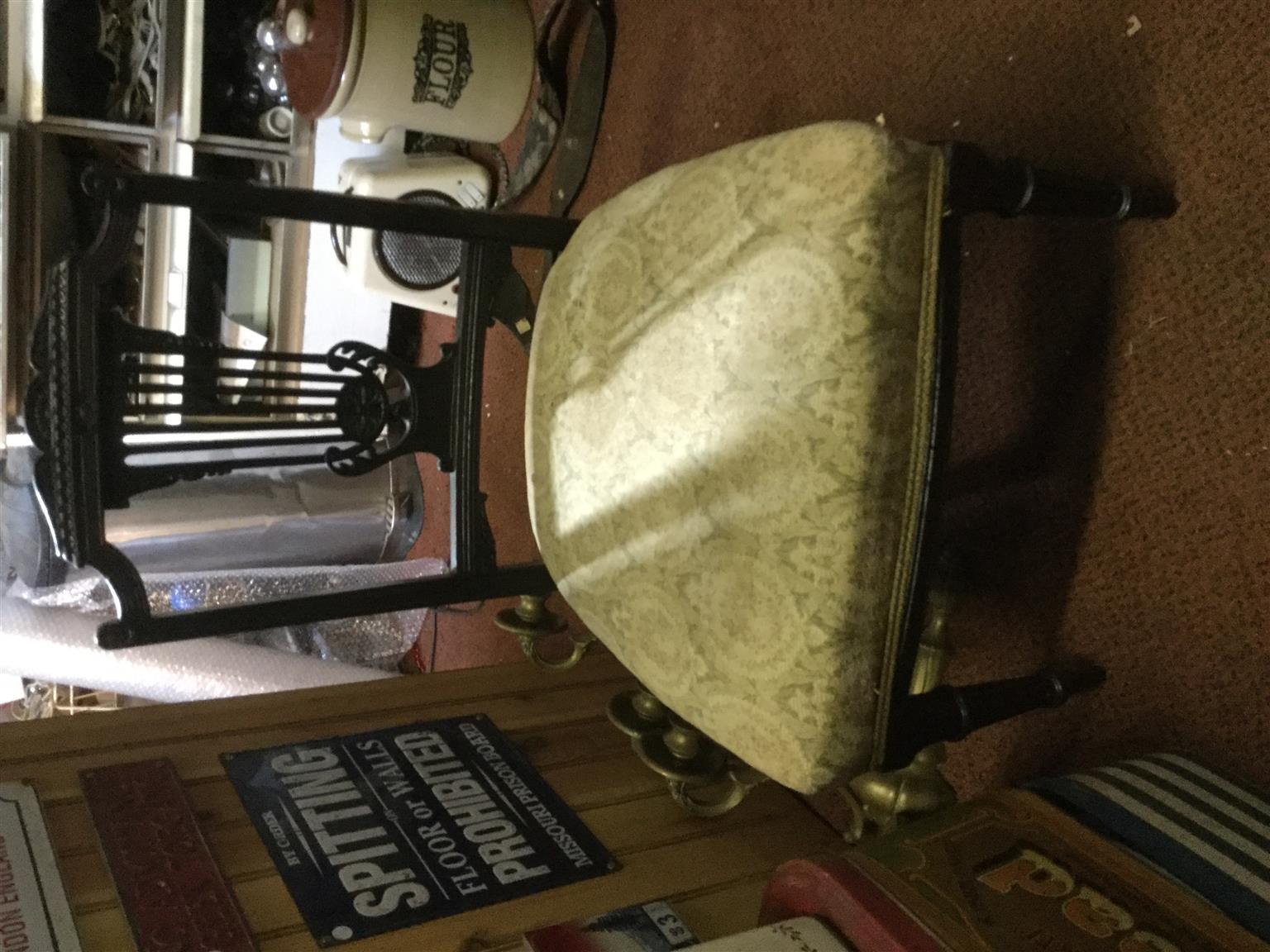Vctorian antique chair @heyjudes