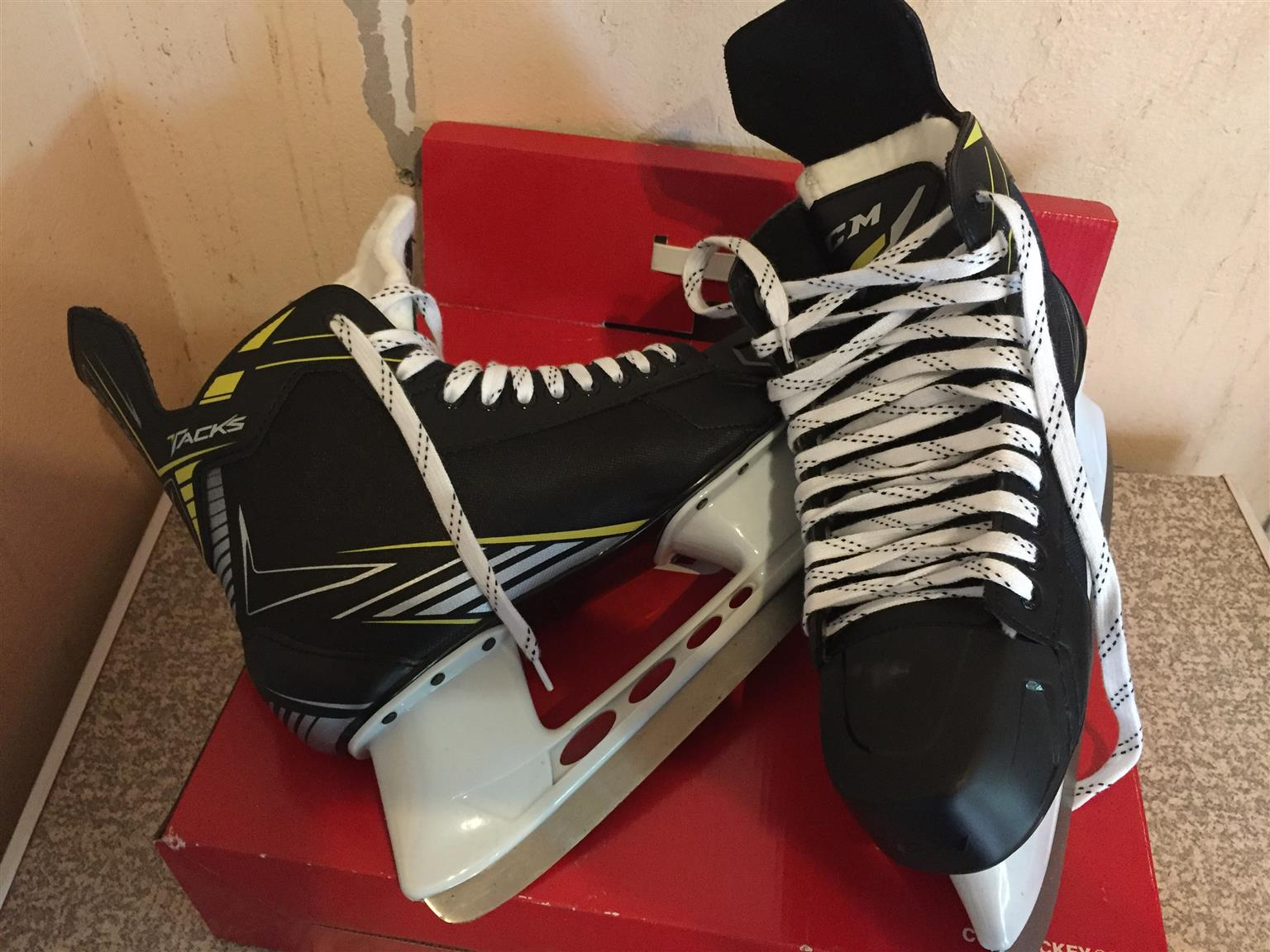 Size 11 CCM Tacks Ice Skates for sale