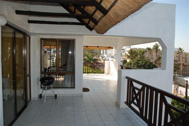 6 sleeper self catering penthouse accommodation opp main Beach Ballito