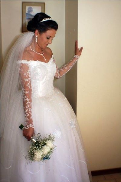 Ballroom wedding gown for sale!