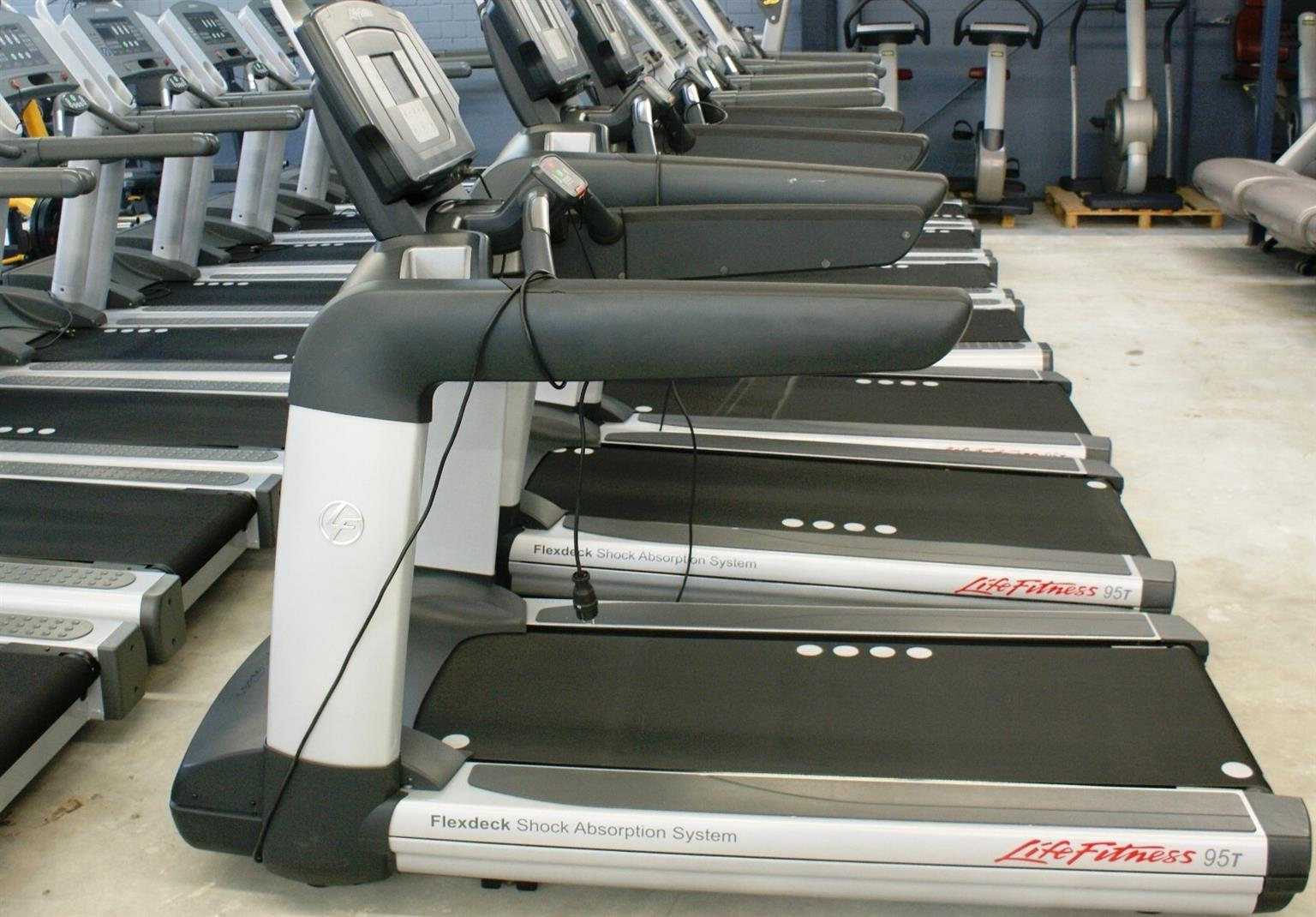 Life Fitness Inspire 95T Elevation Series