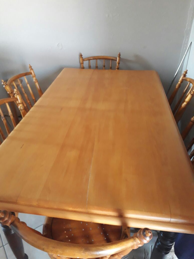 Yellow wood table and 6 chairs