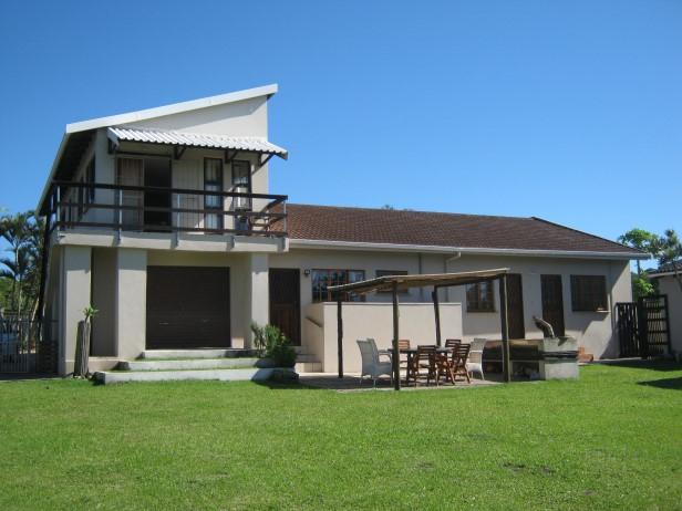 6 Bedroom,5 Bathroom House for sale in Port Edward