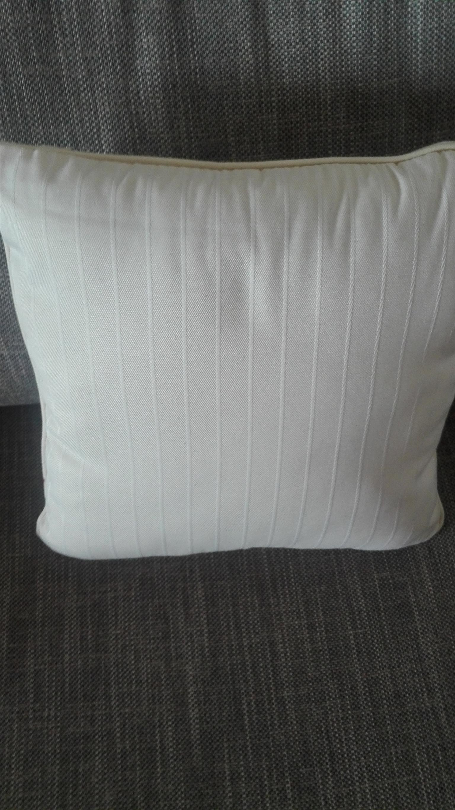 Scatter cushions size 38 x 38