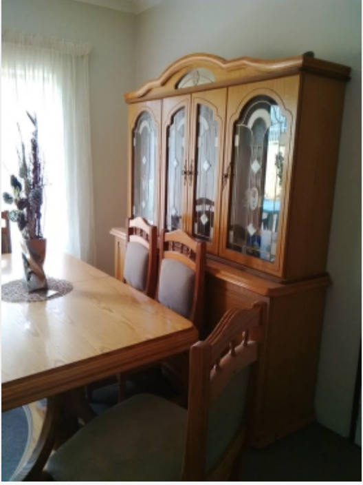 R 13 000 For Sale 6 Seater Oak Dining Room Suite