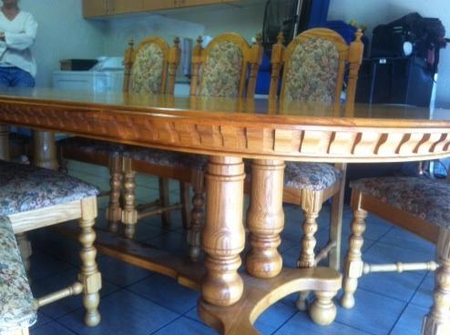 Solid oak Diningroom suite