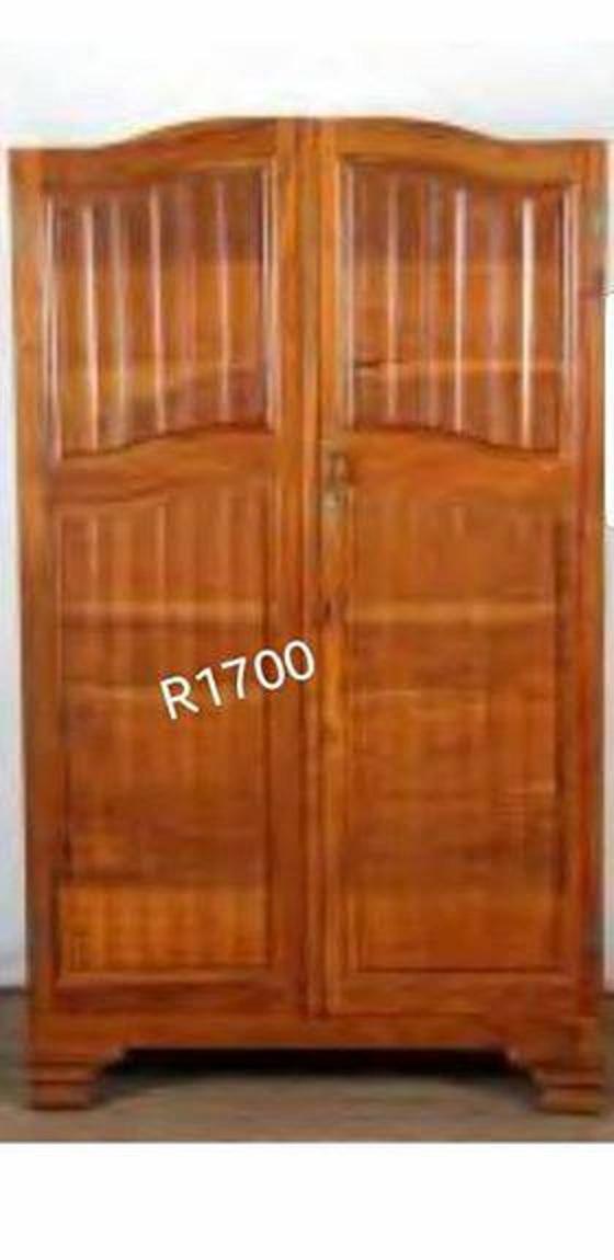 Wooden 2 door closet