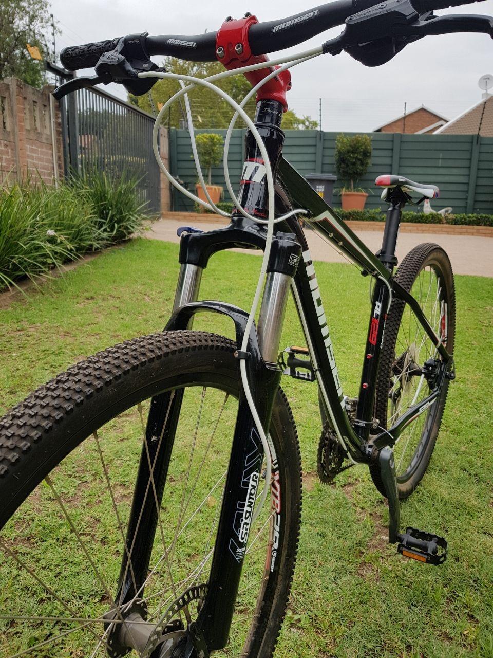 Momsen AL129 29INCH Mountain bike