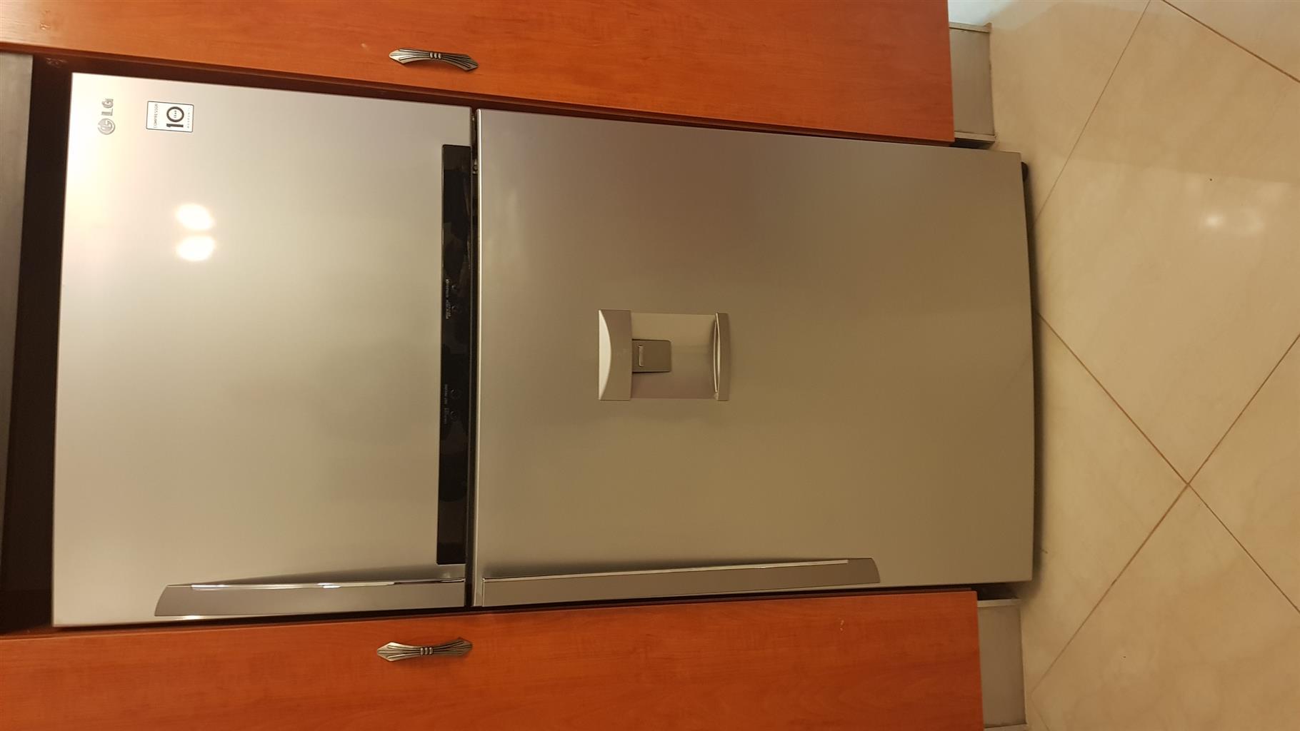 600L LG top freezer and fridge