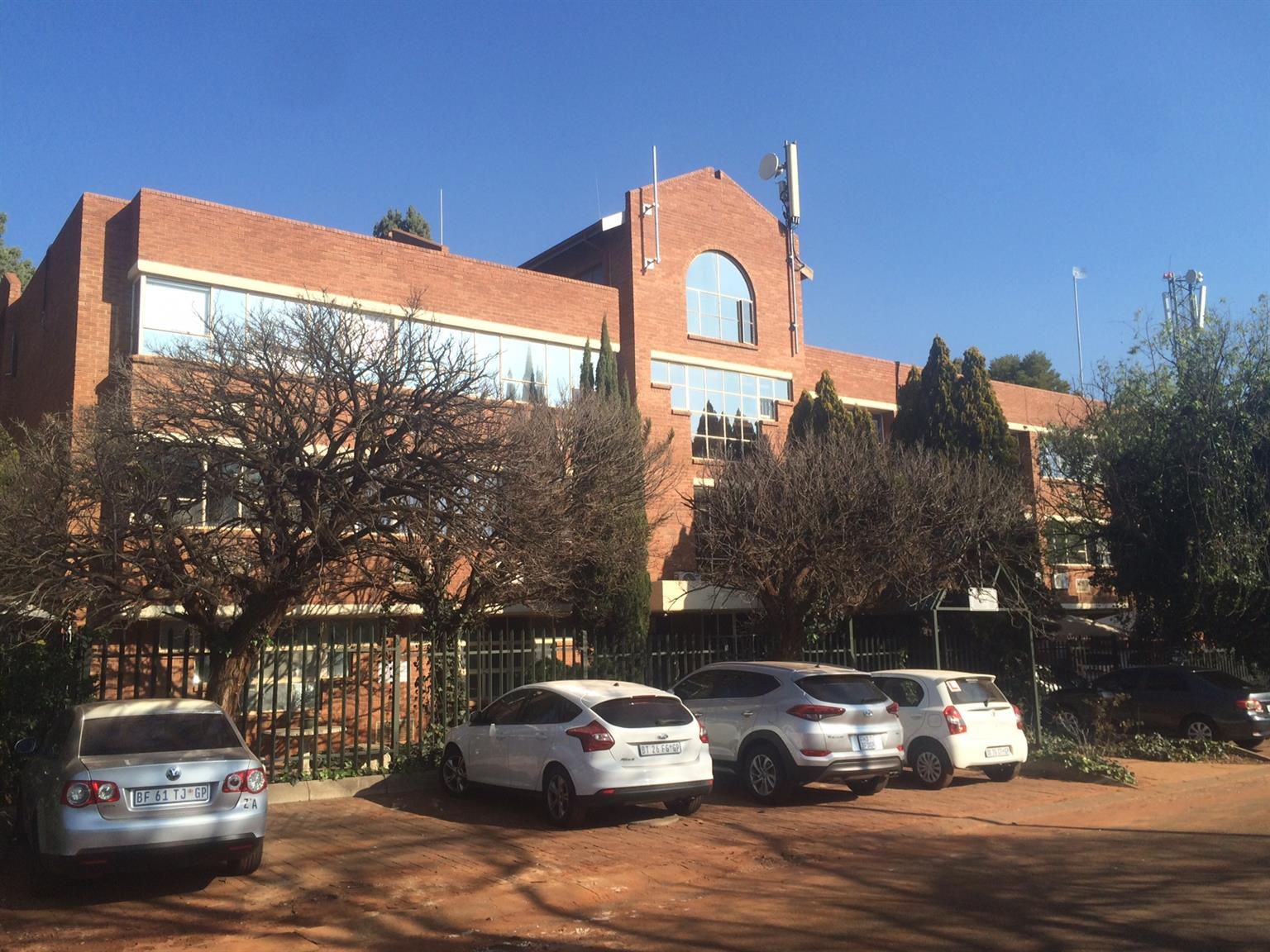 Affordable OFFICES TO LET IN Clubview, CENTURION, CLOSE TO THE GAUTRAIN STATION!