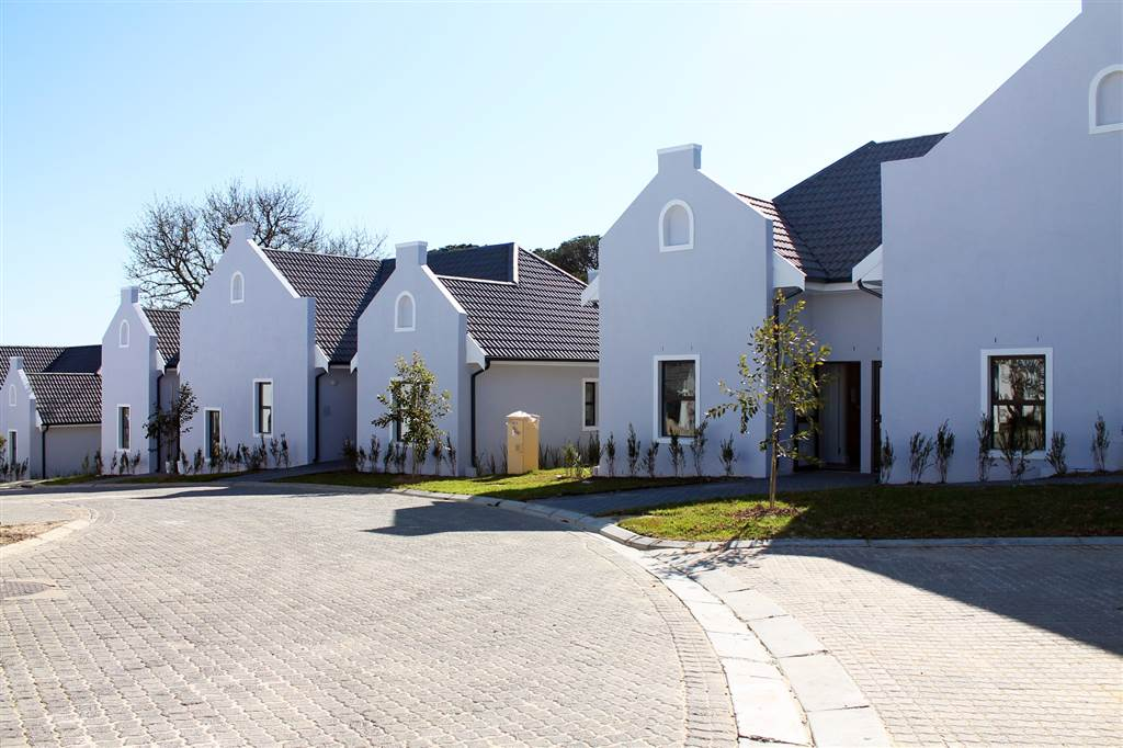 Stunning Retirement Apartment for Sale in Zevenwacht Lifestyle Estate - Cape Town