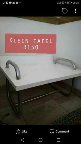 Klein wit tafel