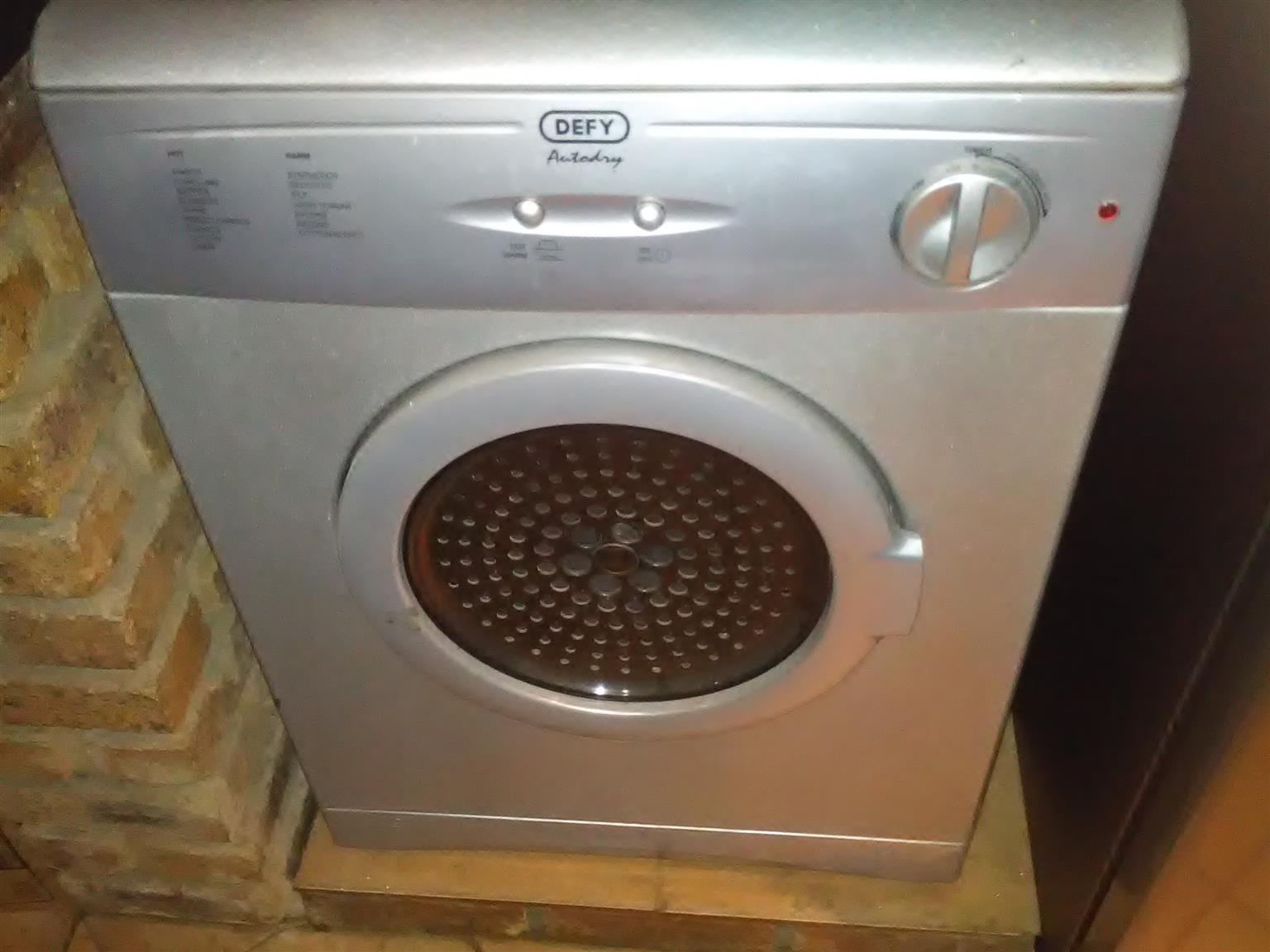 Metalic Defy tumble dryer