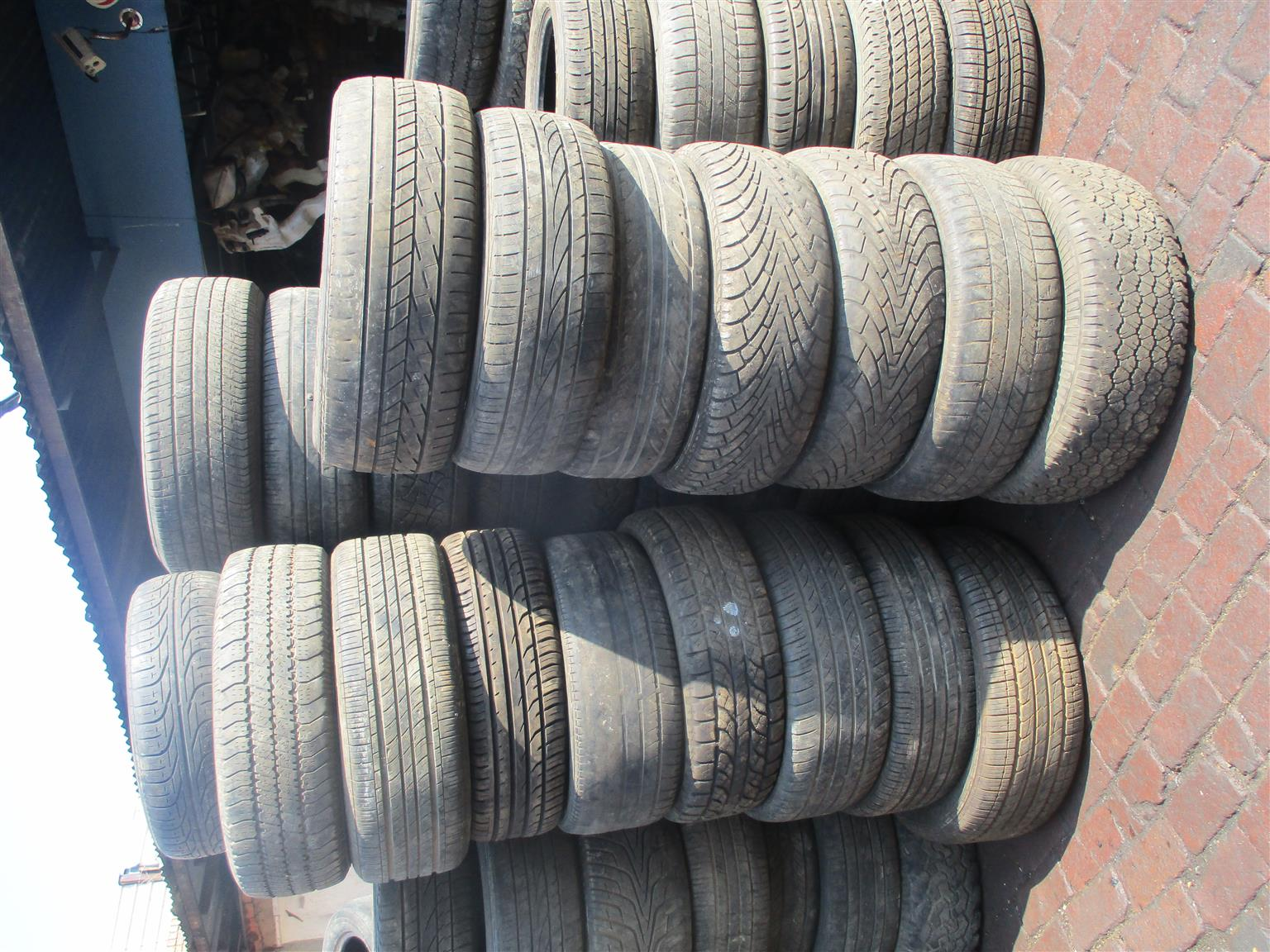 TYRES FOR JEEP, DODGE, CHRYSLER AND CADILLAC