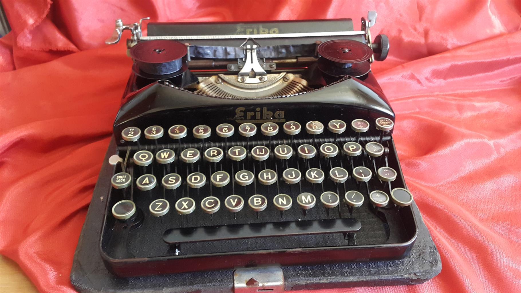 Erika 5 typewriter, serviced