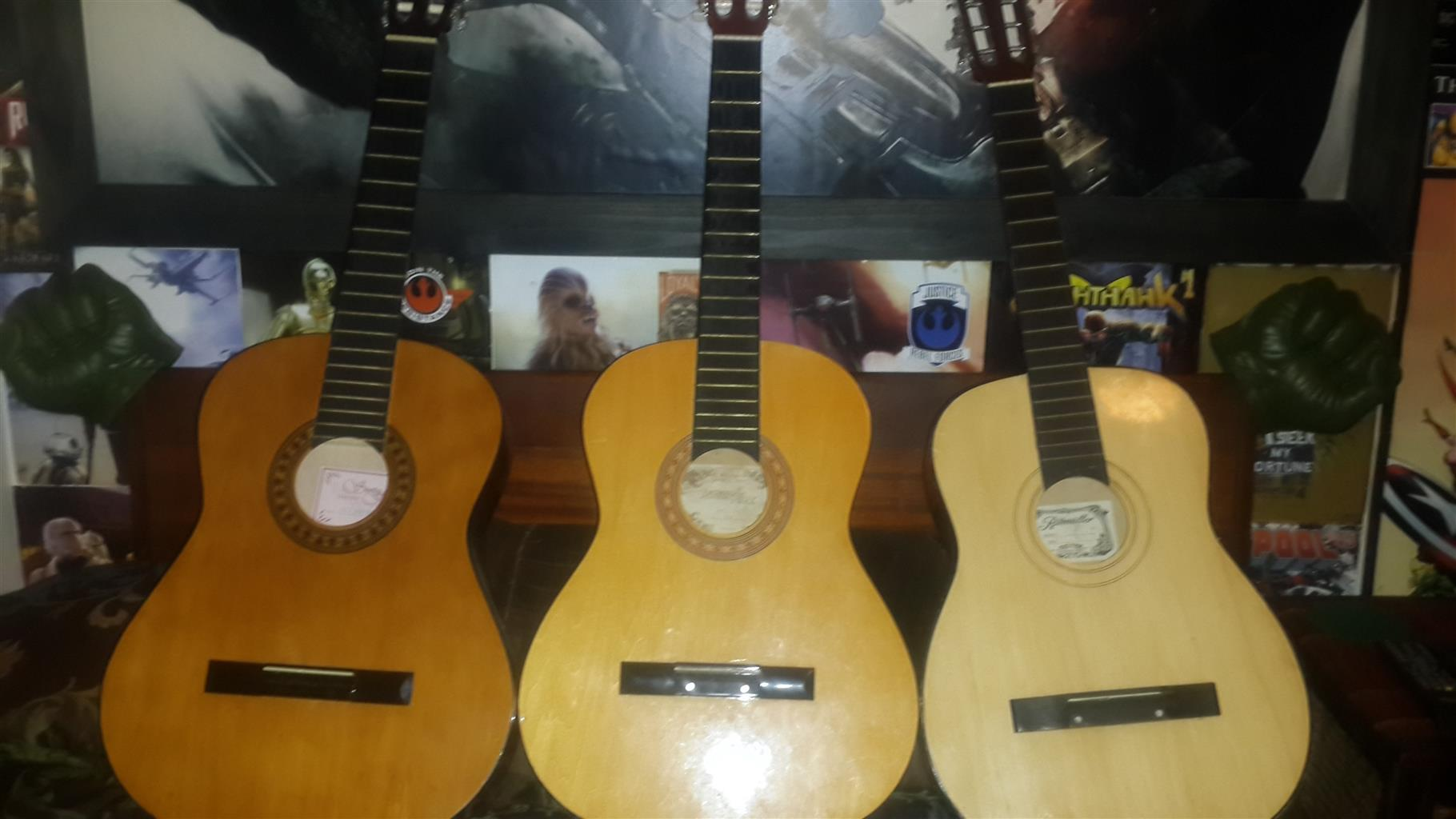 3 second hand acoustic guitars r1000 for all 3 junk mail. Black Bedroom Furniture Sets. Home Design Ideas