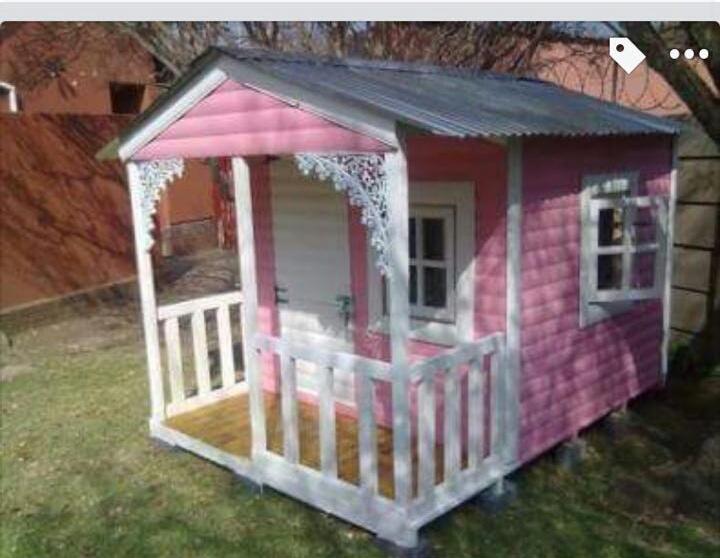 1.5mx1.5m Log doll house with verandah