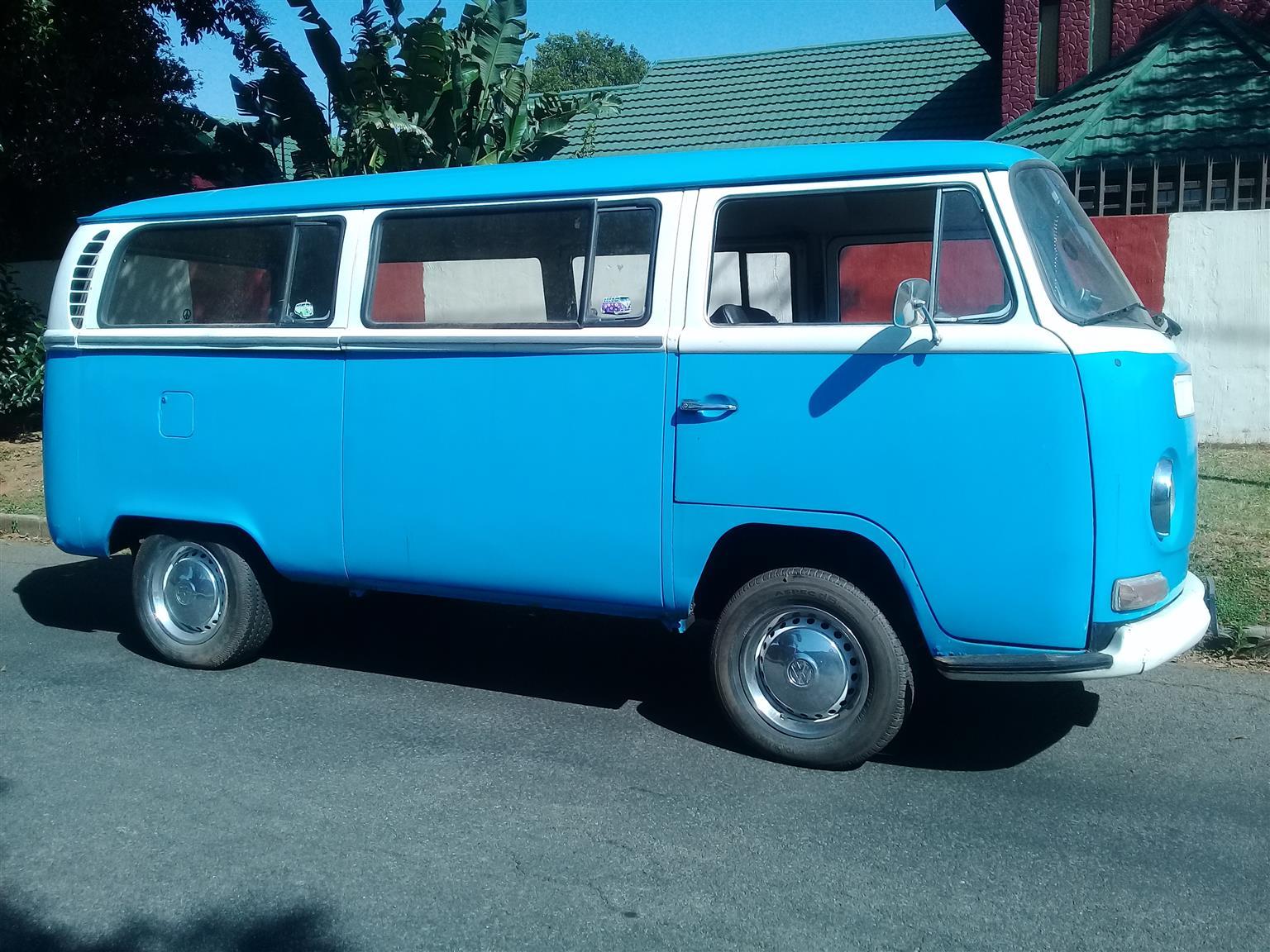 VW Kombi 1970 Bay Window Low Light