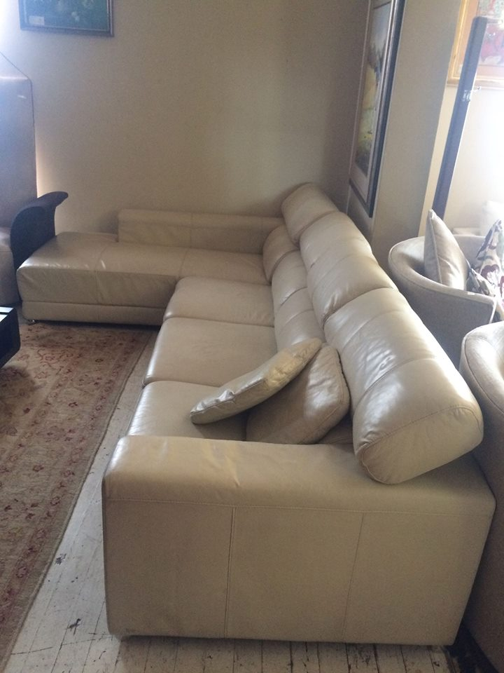 L shape leather lounge suite